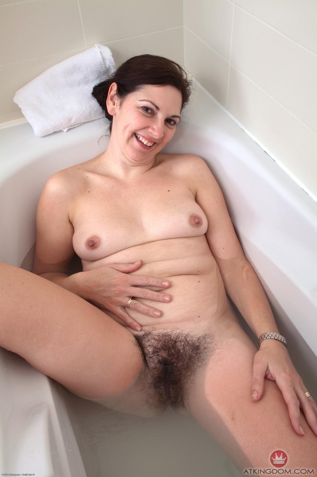 Briar fingers her wet beaver 3
