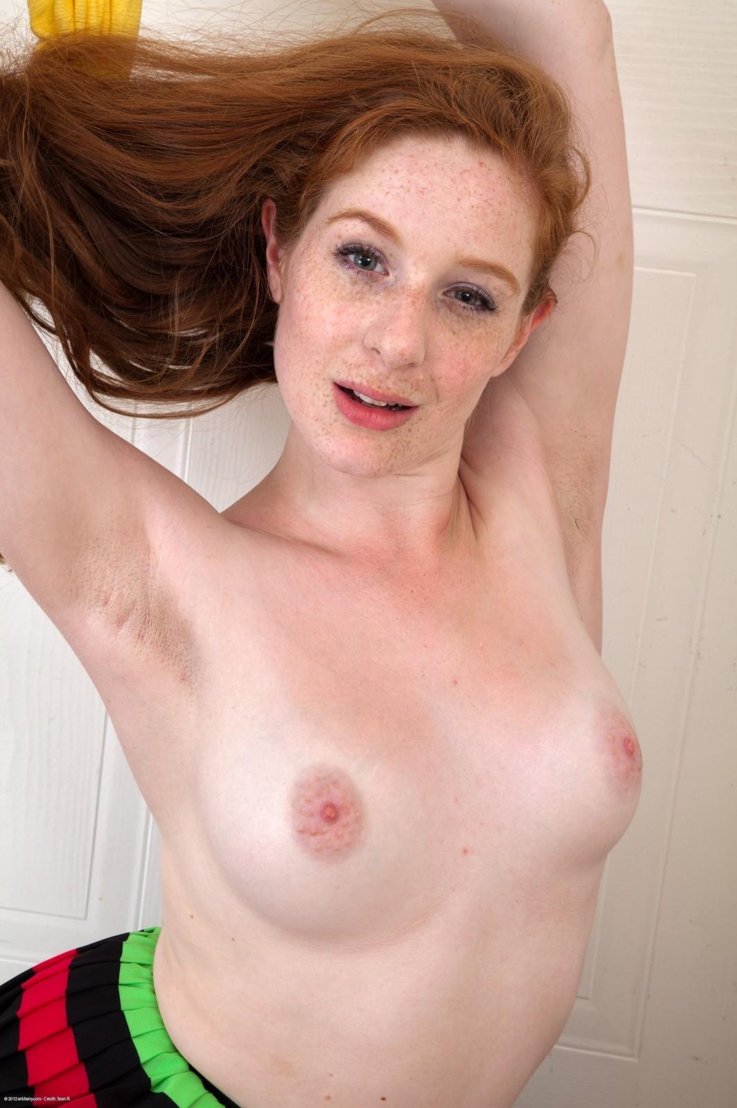 Mature boobs downblouse